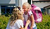 SPENNENDE DAG: Første skoledag er en milepæl både for foreldre og barn. Foto: Colourbox